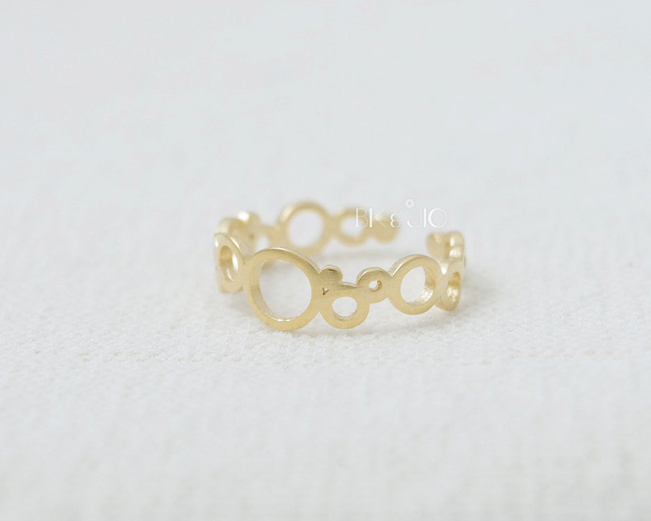 Linked Circles Ring