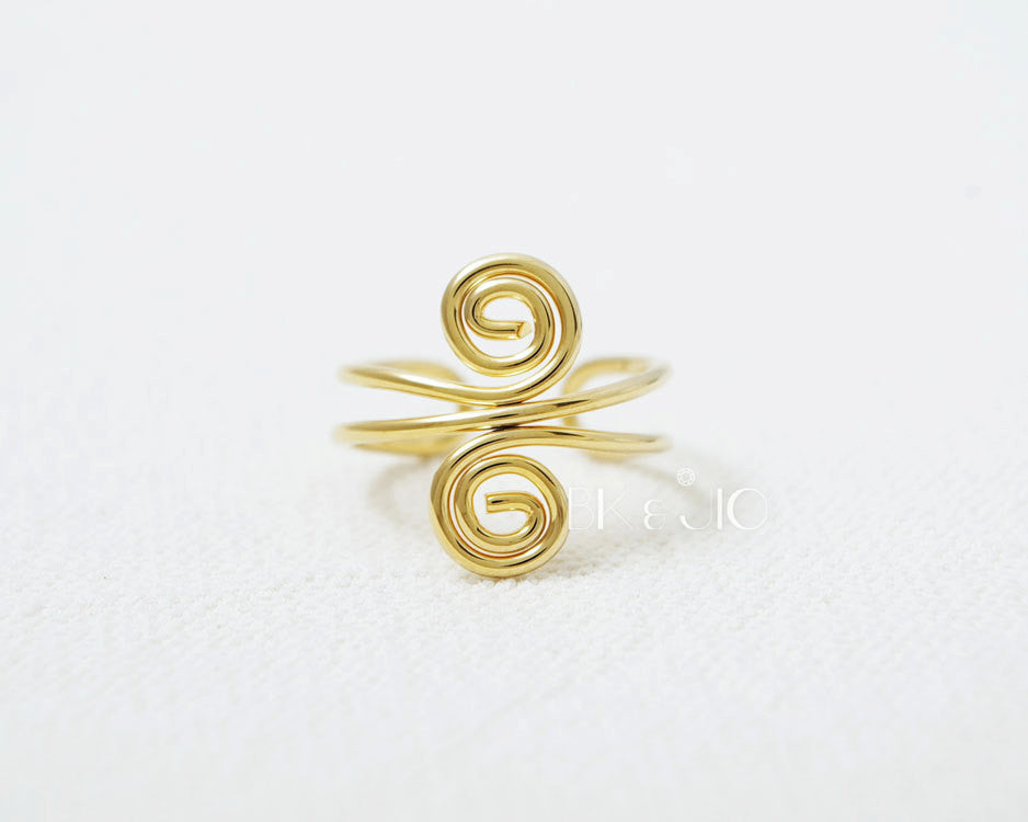 Twisted Infinity Ring