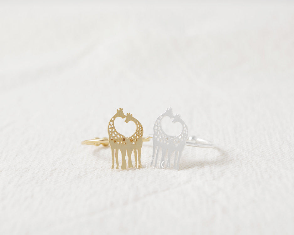 Loving Giraffes Ring