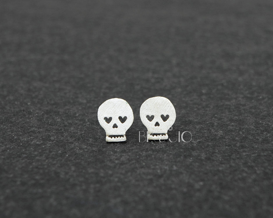 Sterling Silver Heart Eyed Skull Studs Earrings