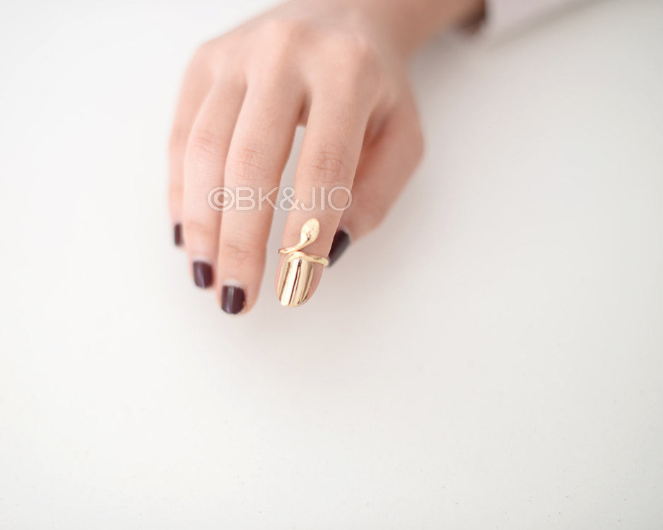 Metallic Nail Knuckle Ring