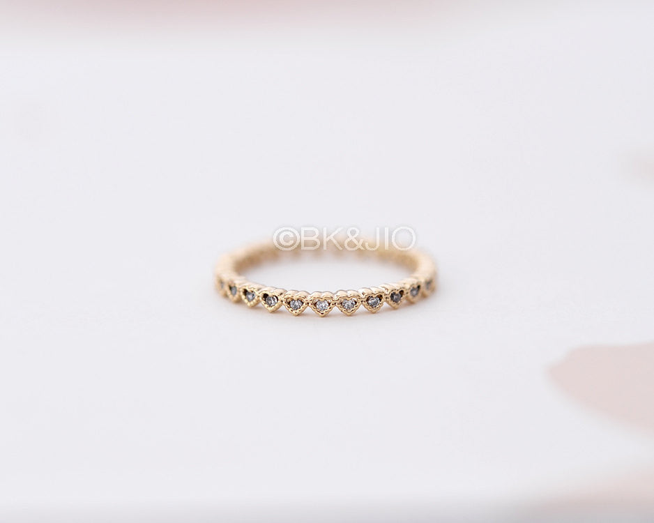 Single Heart CZs Band Ring