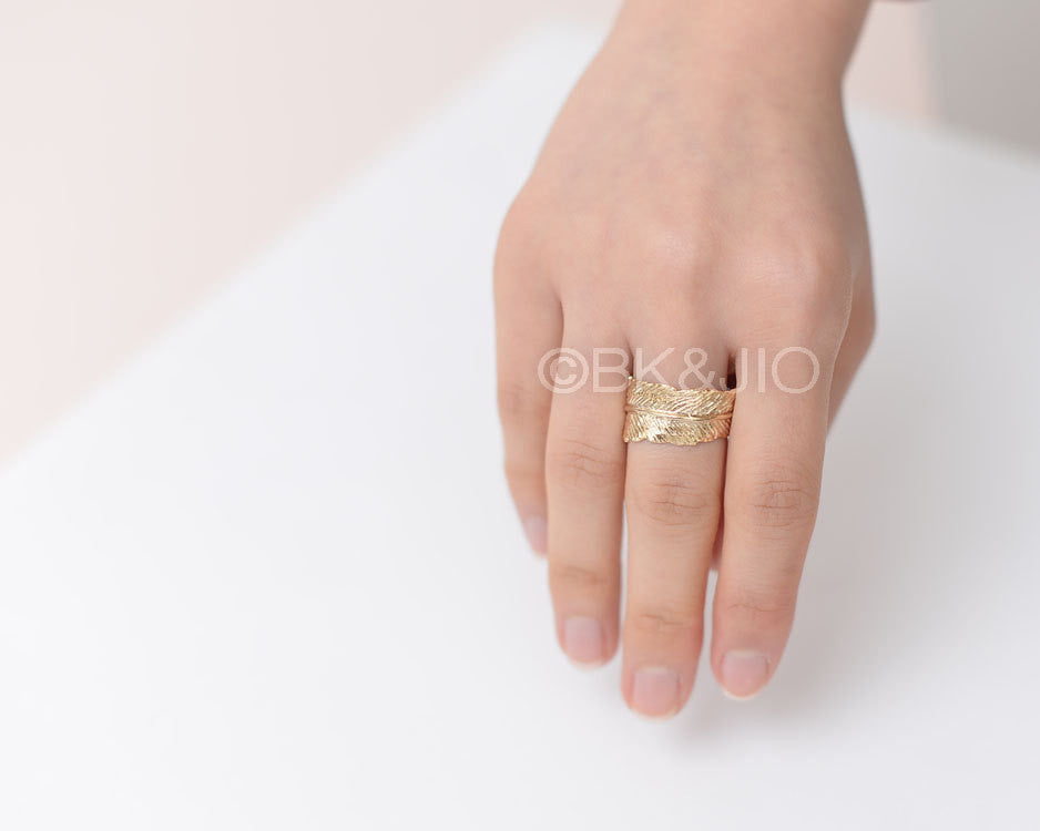 Curved Feather Ring