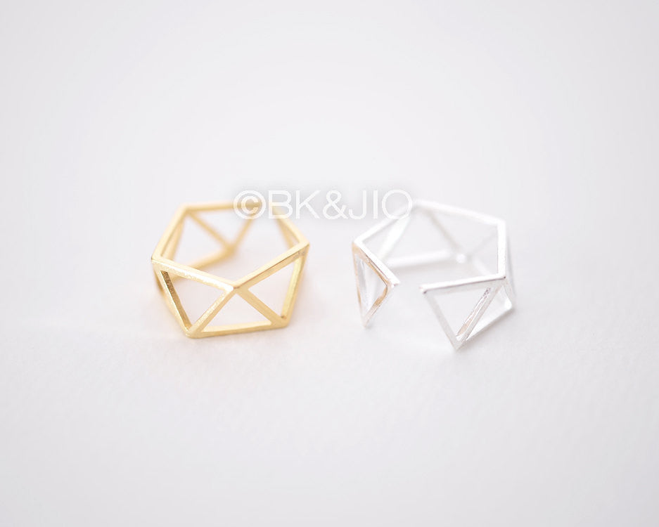 Structural Triangle Ring