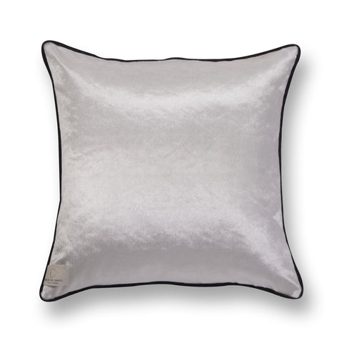Fine accent pillow - Encounters 6