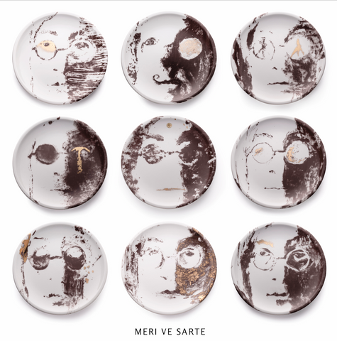 Nine decorative porcelain plates - Nine beats of memory set