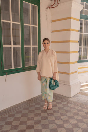 Indah Top in Champagne