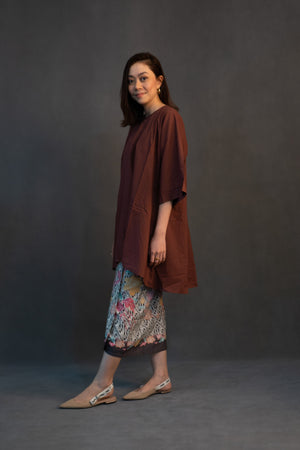Kamelia in Brown