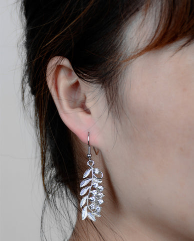 Accessory Stylish Diamonds Leaf Earrings [4918478148]