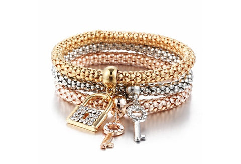 Hot Sale Fashion Personality Lock & key Shape Bracelet All-Match Glamorous Gold Silver Plated Rhinestone Alloy Pendant Wholesale   (Color: Gold) [9326005252]