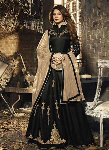Black Color Silky Georgette Women's Semi Stitched Gown - RS1963
