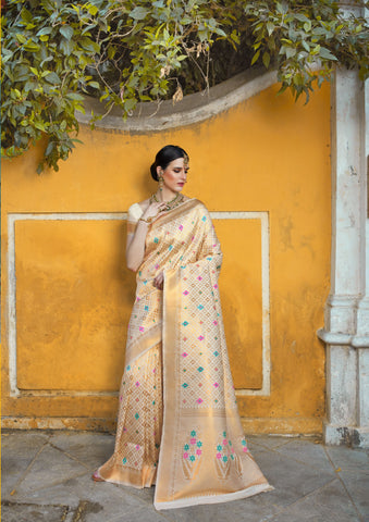 Cream Color Silk Blend Women's Saree - RT-69784