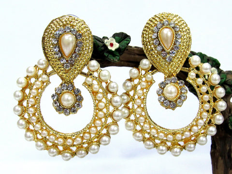 Golden and Off White Color Earring - SMCE39