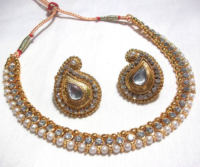 Golden and Off White Pearl Color Necklace Set
