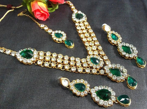 Green and White Color Alloy Necklace Set - SMCN31