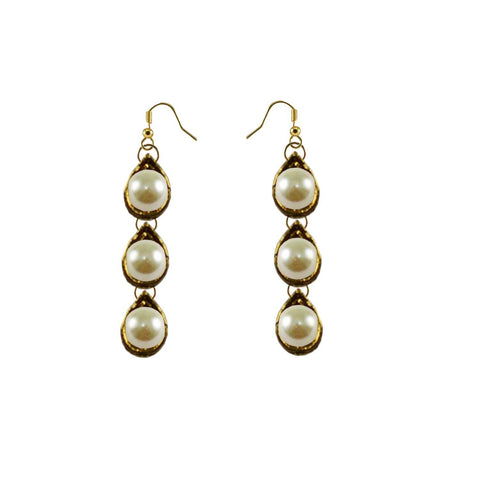 White Color Brass Moti-Gold Platted Ear Rings - ear599