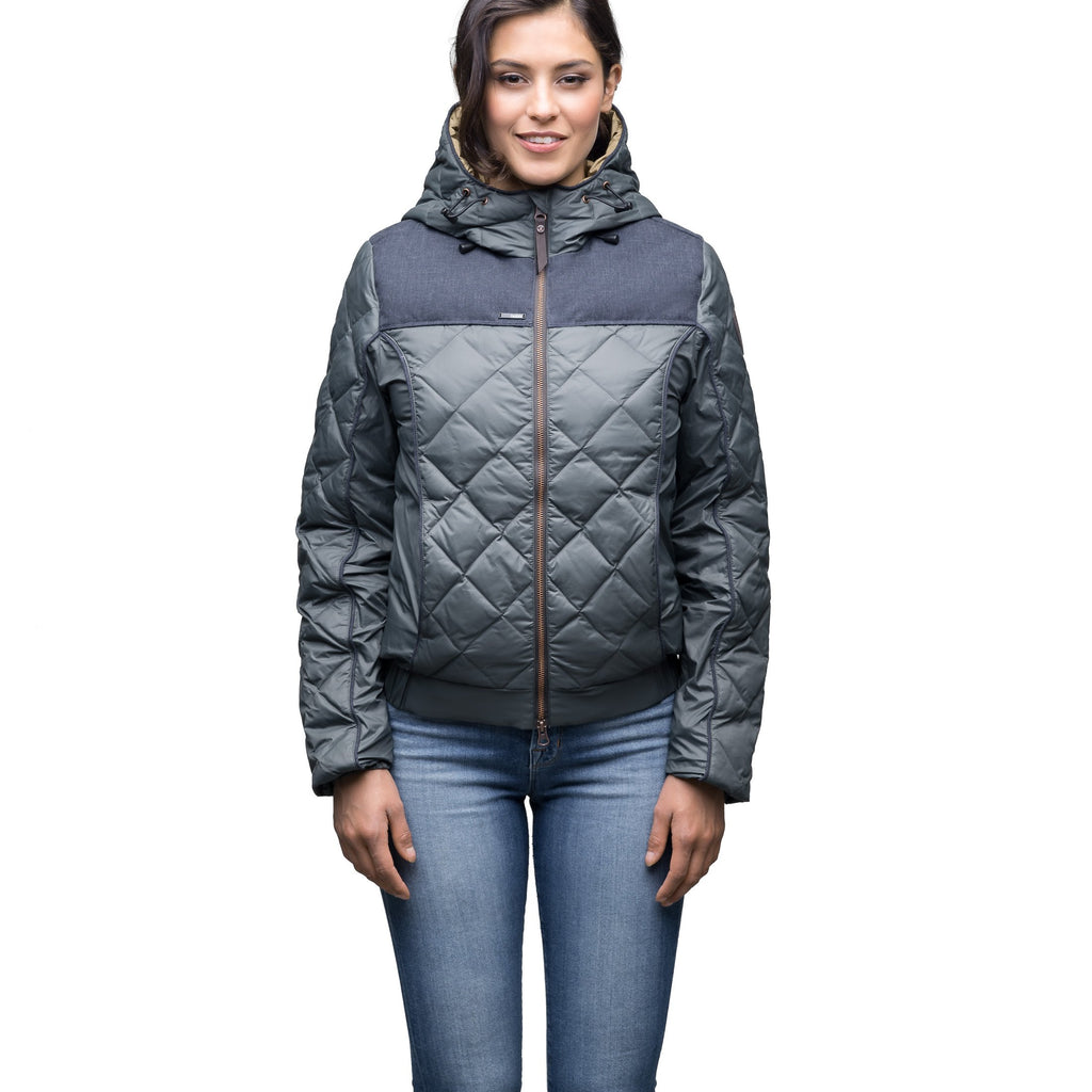 Lightweight women's jacket with hood and quilted pattern featuring a contrasting upper fabric in Foggy Blue | color