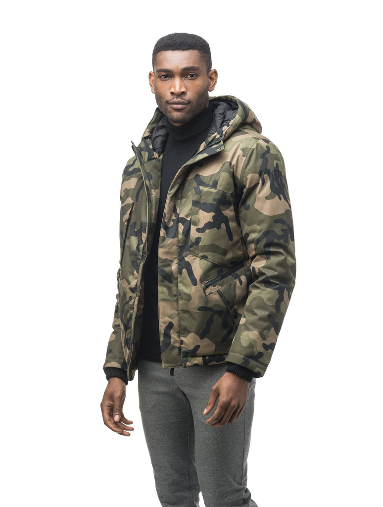 Men's waist length light down coat equipped with six exterior pockets and a hood in Camo| color
