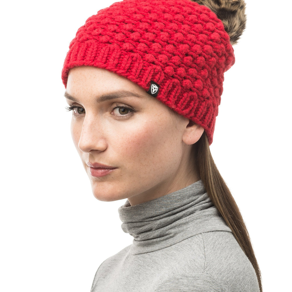 Red bulk knit toque with faux fur pom pom on top | color