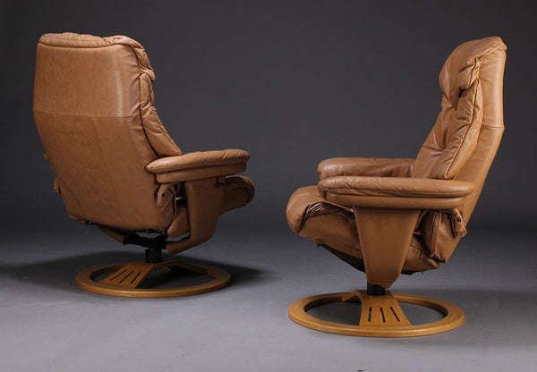 Sviwel Leather Armchair