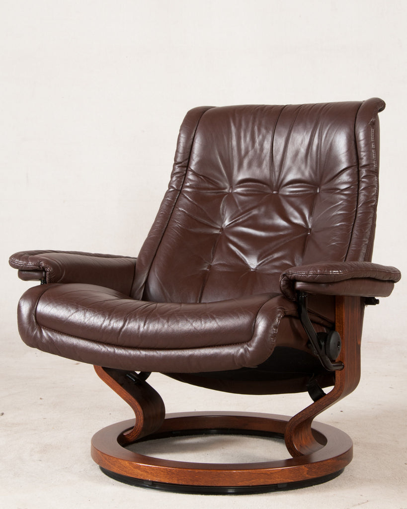 Beautiful Stressless Lounge Chair ...