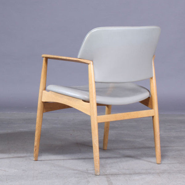 Solid Oak Dining Chairs by Ejner Larsen and Aksel Bender Madsen.