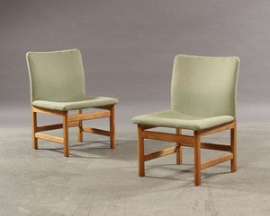 Two Model 231 Oak Dining Chairs with Light Green Wool Upholstery by Borge Mogensen