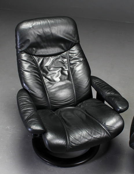 Swivel Base Reclining  Armchair
