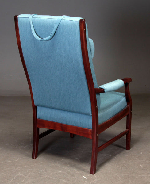 Mahogany-Stained Beech Armchair With Ottoman