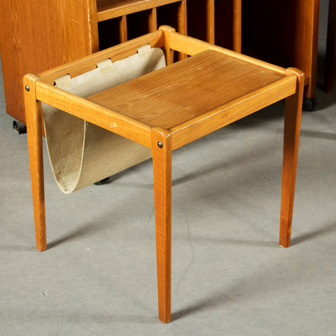 Oak Newspaper/Magazine Rack End Table