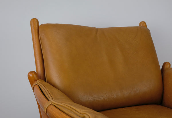 Genius Armchair in Teak by Illum Wikkelsø
