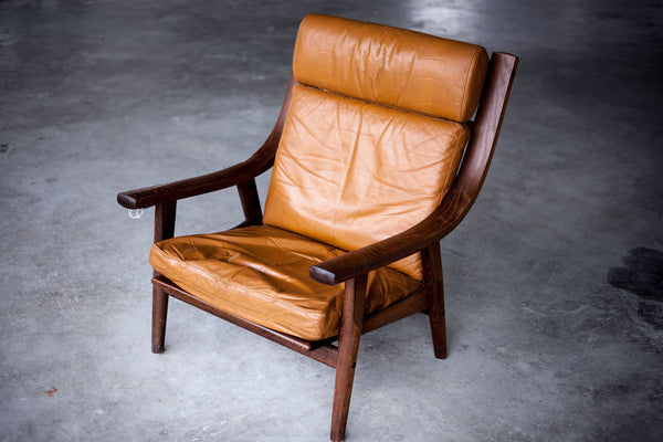 Hans J. Wegner High Armchair in Oak and Leather