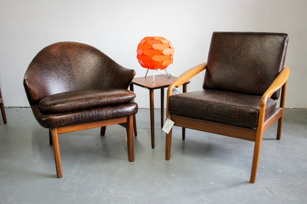 Leather Armchair Set with Table and Lamp