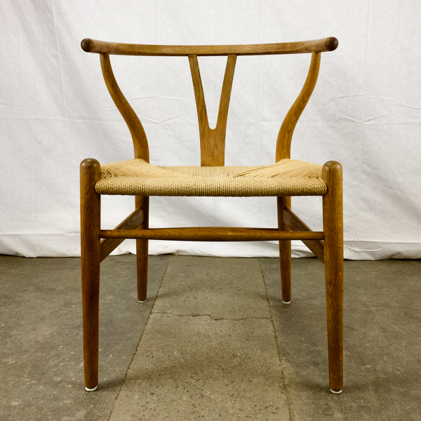 Front View of White Oak and Papercord Wishbone Chair by Hans Wegner