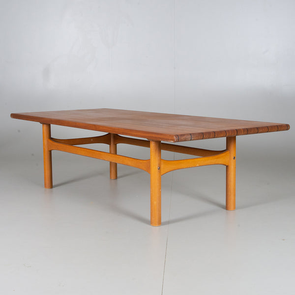 Beautiful Teak / White Oak Danish coffee Table