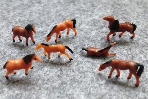 1:150 Scale N Gauge Model Railway Horses - Pack of 6