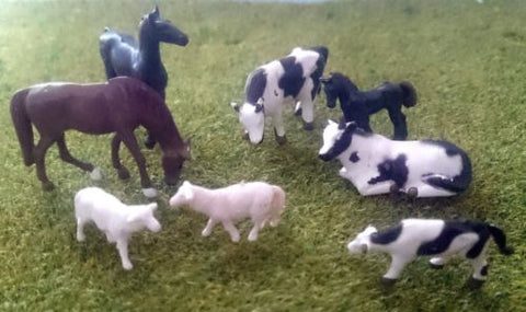 1:87 Scale (HO/OO Gauge Model Railway) 8 Mixed Animals - Cows, Horses, Sheep