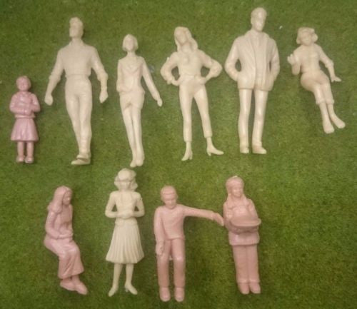 1:25 Scale Model Figures - Painted or Unpainted - Pack of 5, 10 or 20