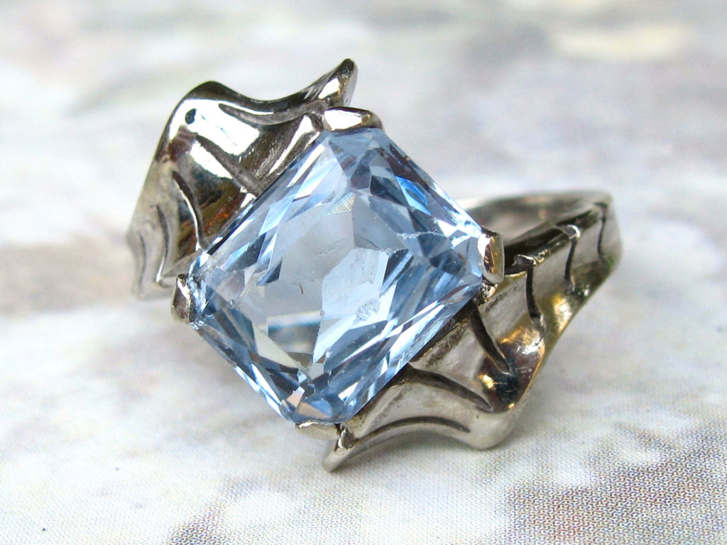 Vintage Engagement Ring 3.79ct Synthetic Blue Spinel Bypass Ring 10K White Gold Faux Aquamarine March Birthstone Ring size 5.5!