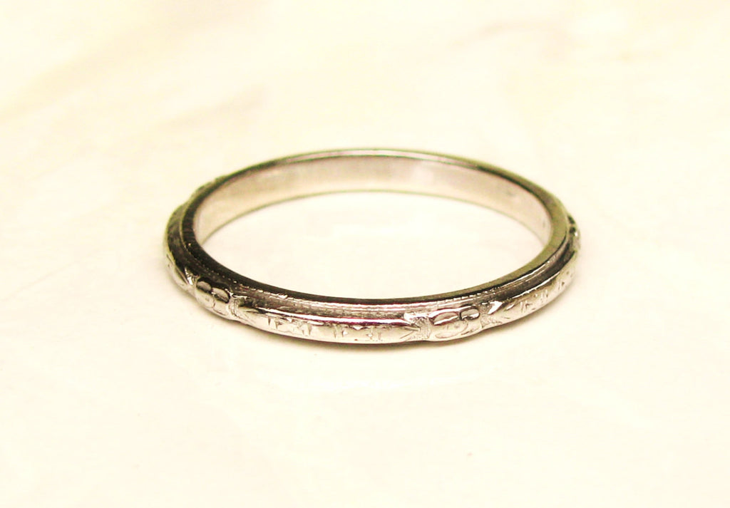 Antique Platinum Wedding Band Ladies Ring Floral Detailing Art Deco Bridal Jewelry