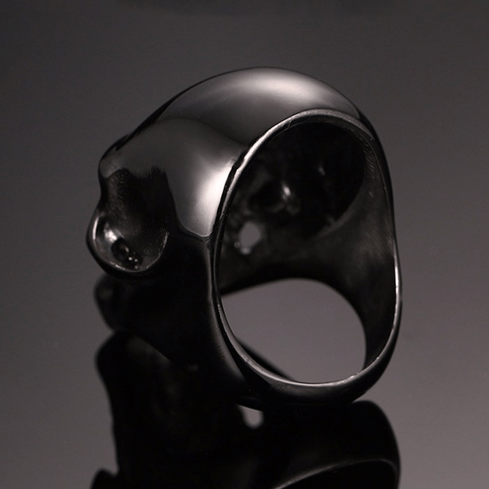 Black Gothic Skull Ring back