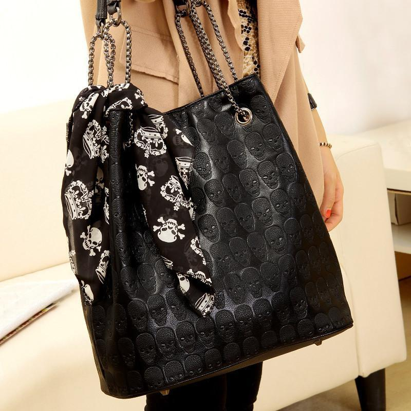 Zapps Skulls Shoulder Bag