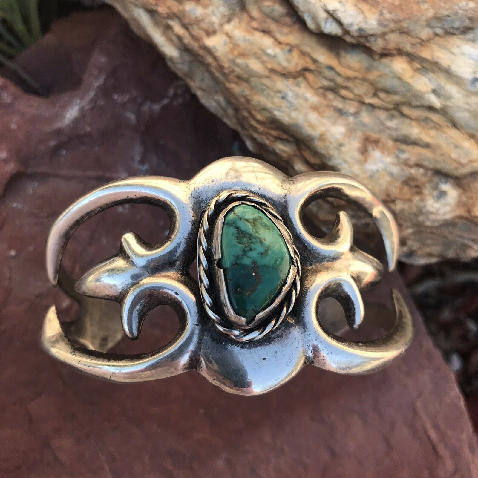 Gorgeous Vintage Turquoise And Sterling Silver Cuff Bracelet