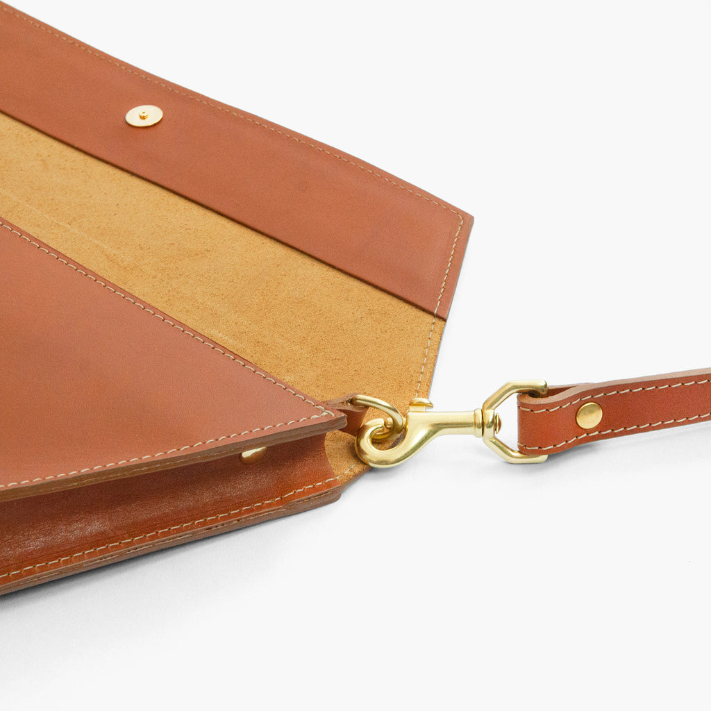 Dory Clutch in Honey Teak