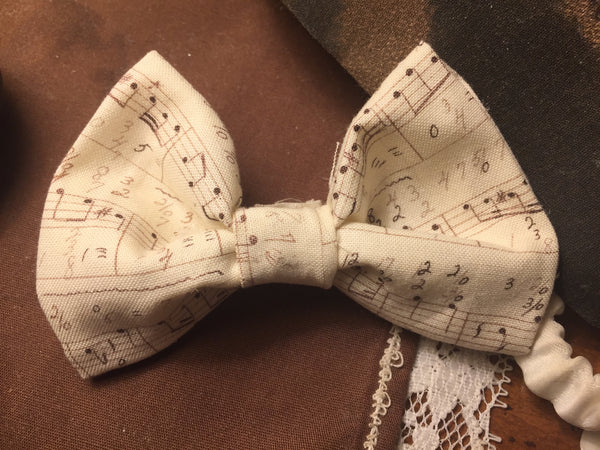 music notes bow-tie
