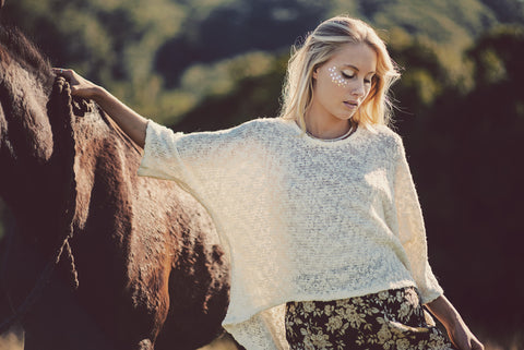 Dreamers and Drifters blog delish jumper and horse