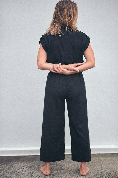 dreamersanddrifters.com.au Plain black culotte pants Linen fabric byron bay fashion label
