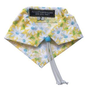 Avian Fashions Bandana - Lazy Daisy
