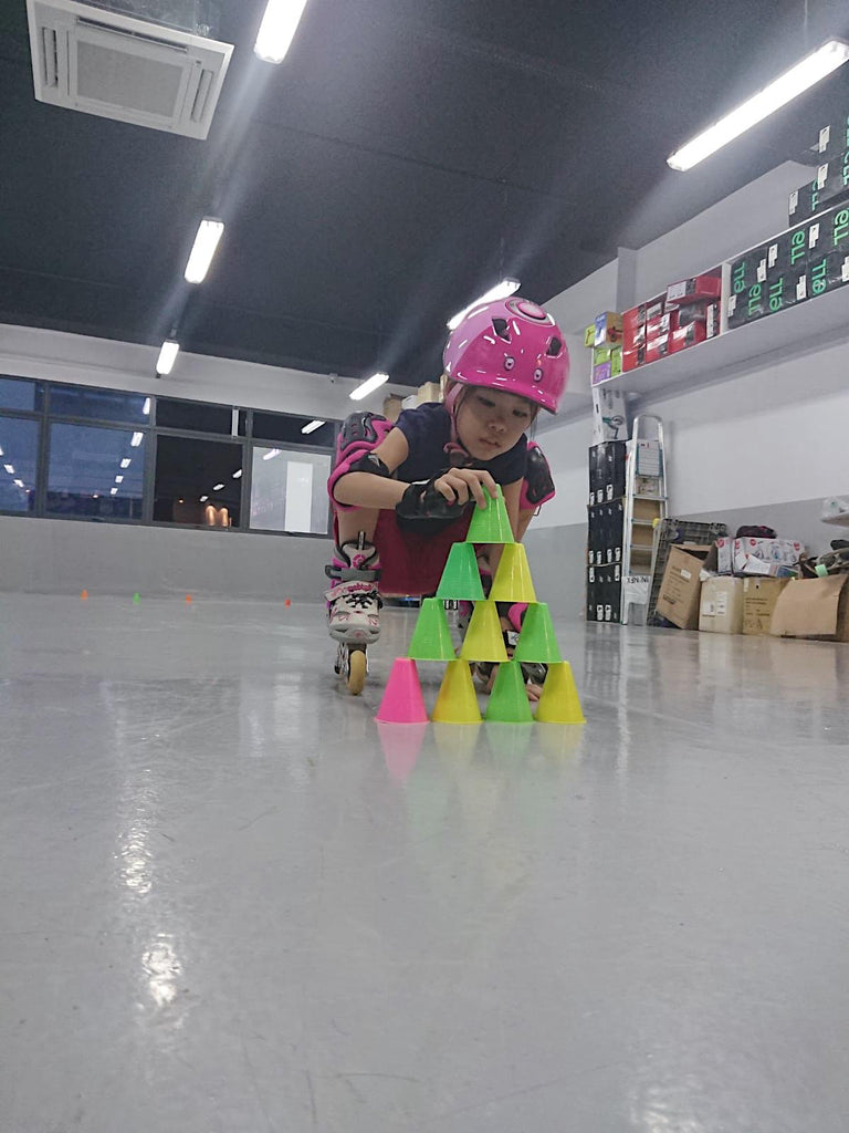 AMK Indoor Skating Lessons - Esports
