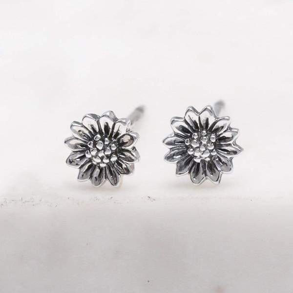 Midsummer Star Tiny Sunflower Studs S531